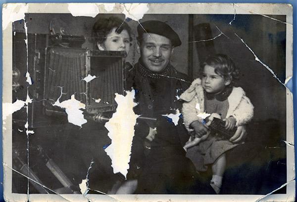 Eloy Mella con familia en rodaje